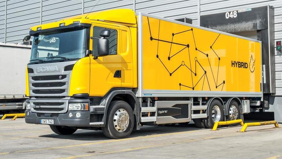 Elektrika in hibridi na poti v tovorna vozila