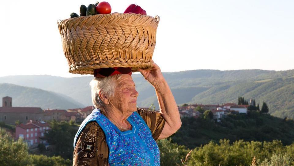 Cena domačega sadja in zelenjave ne pokrije stroškov