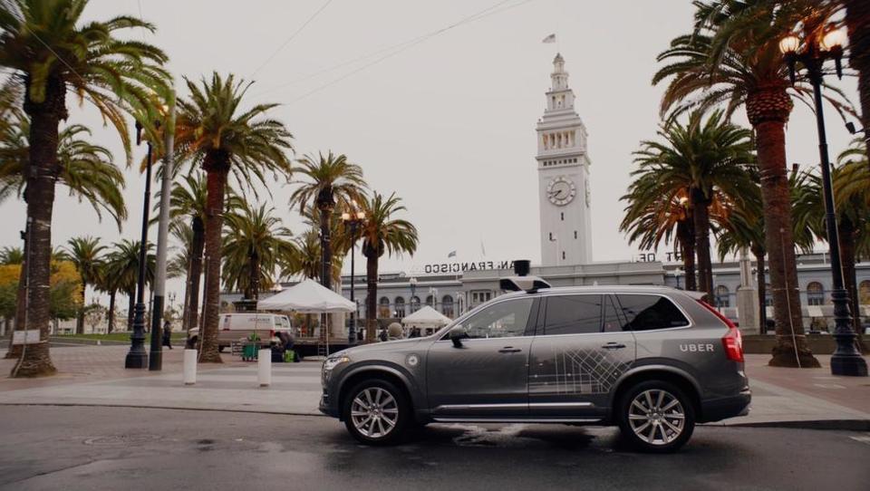Kalifornija dovoli avtonomno vožnjo brez voznika