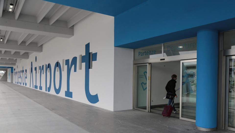 Na tržaškem letališču Ronke so odprli železniško postajo. Lahko...