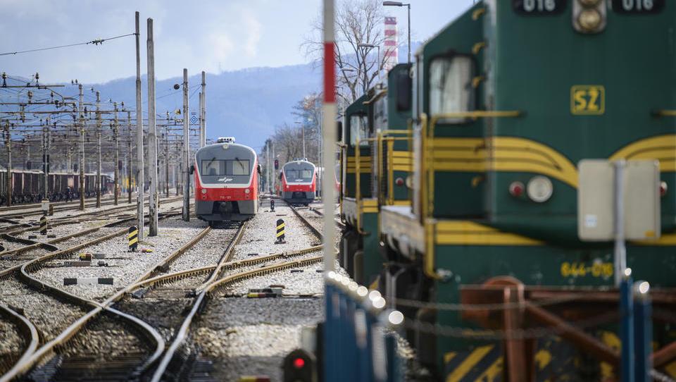 Kreativci, dobra novica, železnice rok za pripravo projekta prenove CGP podaljšale do 21. septembra