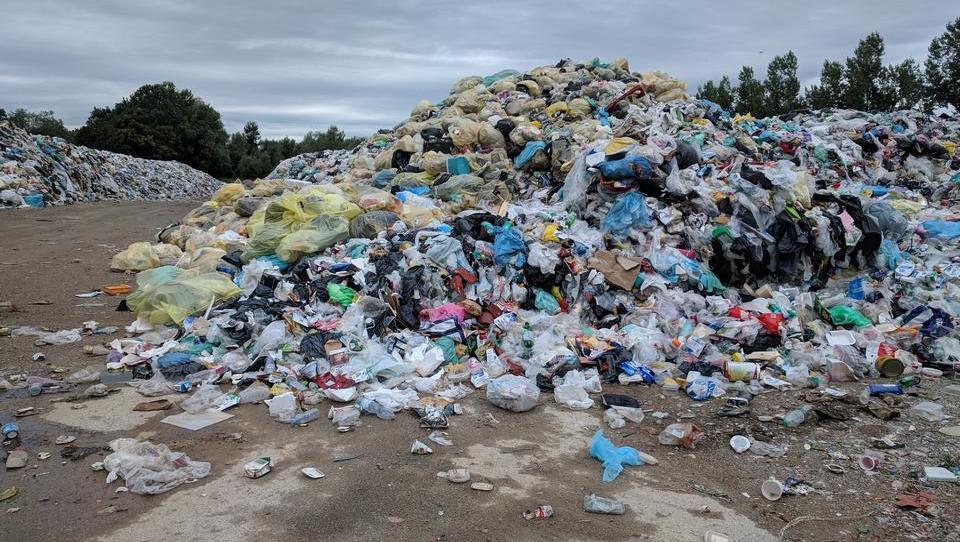 Kdo plača okoljsko dajatev za odpadno embalažo in koliko plača