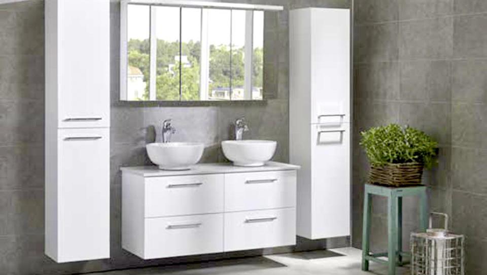 V kopalnice vstopa funkcionalni minimalizem