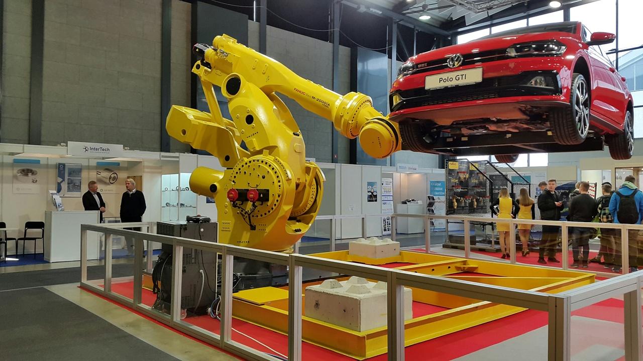 Najmočnejši industrijski robot na svetu se je premierno predstavil...