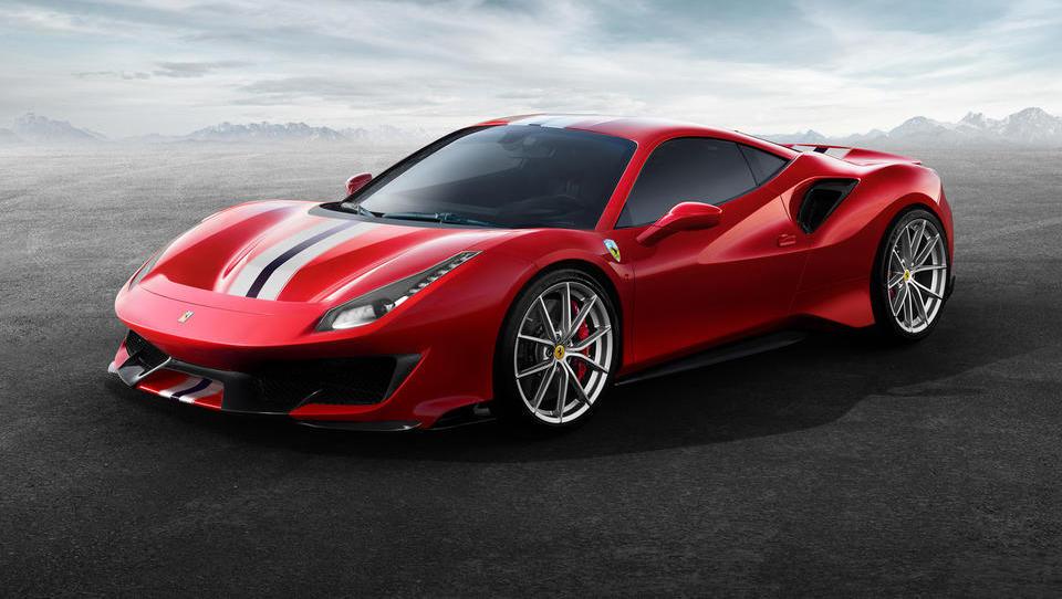 Zakaj Ferrari z vsakim avtom zasluži 69 tisoč evrov, Tesla pa izgubi 11 tisočakov