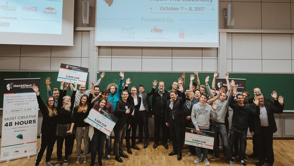 Gneča na podiju prvega elektroenergetskega hekatona v Sloveniji