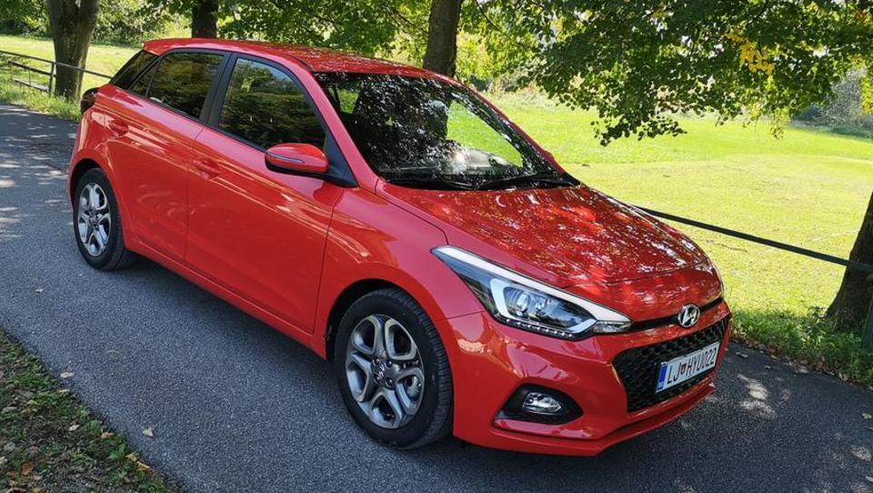 Hyundai i20 v bitko s tekmeci brez dizlov
