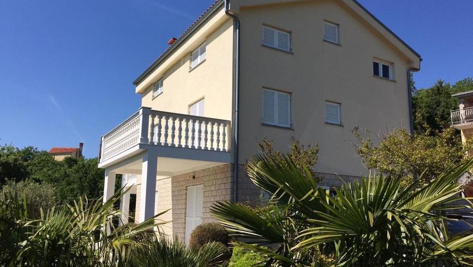 Spletna dražba Unija: apartmajska hiša na hrvaški obali