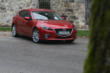 (video) Mazda3: Kje si zasluži petico, kje le trojko