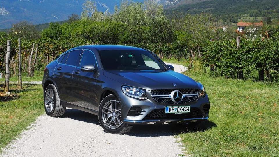 Modni Mercedes-Benz za 35 Slovencev