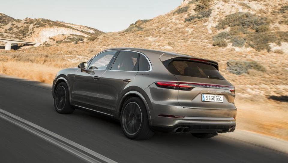 Porsche cayenne še nikoli bližje ikoni 911