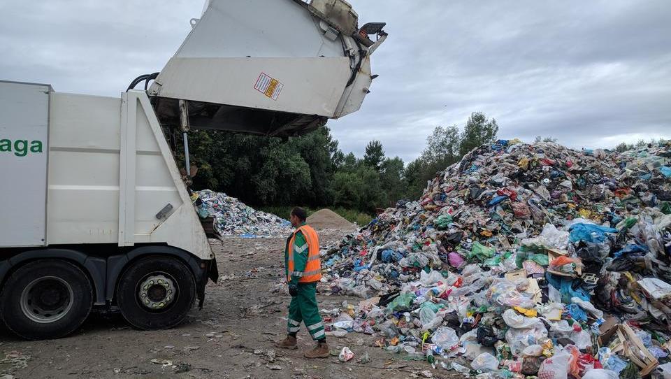 (video) Komunalci so udarili: odpadna embalaža le prek ene družbe