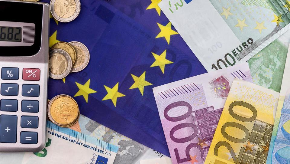 Proračunska presoja: Slovenija v Bruselj pošilja starega, Italija kljubovalnega, Španija upa, da ga sploh bo