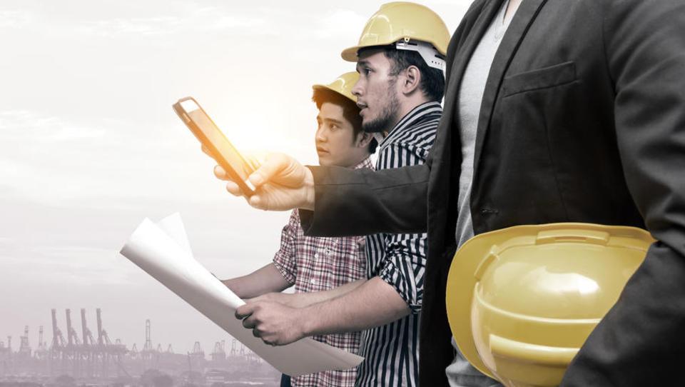 (intervju) »Gradbena industrija 4.0 se trudi industrializirati izdelavo unikatov in prepoznati, kaj se ponavlja«