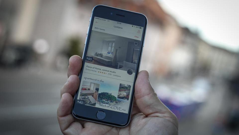 Ponudba stanovanj prek Airbnbja v Ljubljani je velika, a povpraševanje je še večje