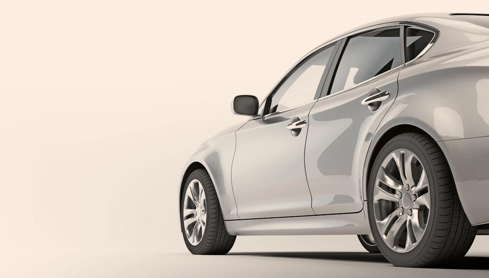 Se vam splača kupiti nov službeni avto zaradi spremembe dohodnine?