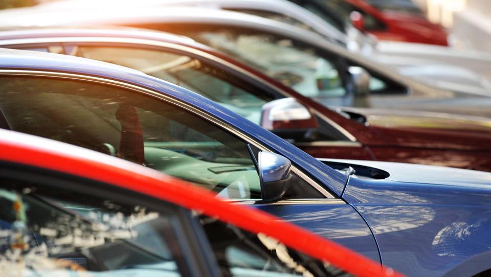(trgovinske bitke) Trump zdaj grozi evropski avtomobilski industriji