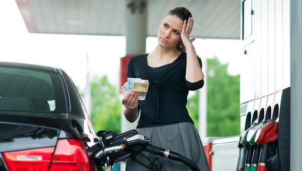 Aljoša Valentinčič: Zakaj so ljudje živčni zaradi sprememb cen goriv?