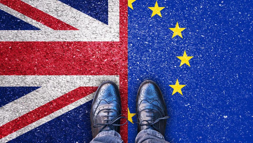(brexit) Vse več pozivov, naj se podjetja pripravijo na vse scenarije