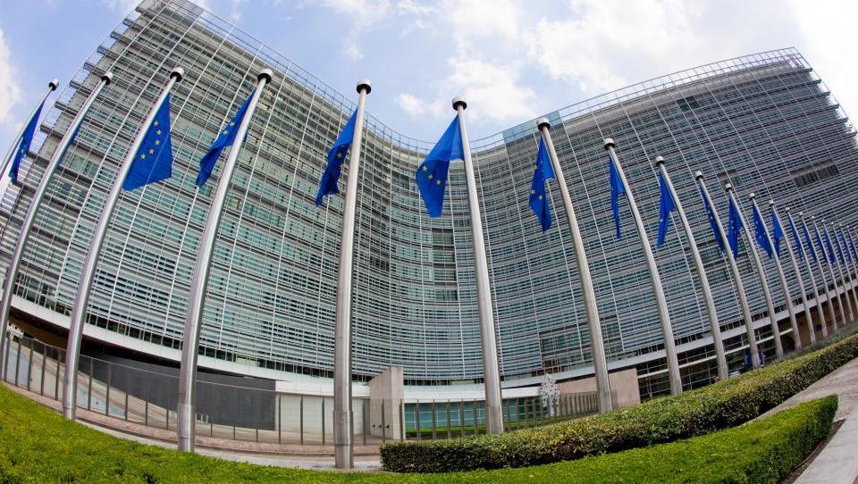 Evropska komisija: s podjetništvom do več služb