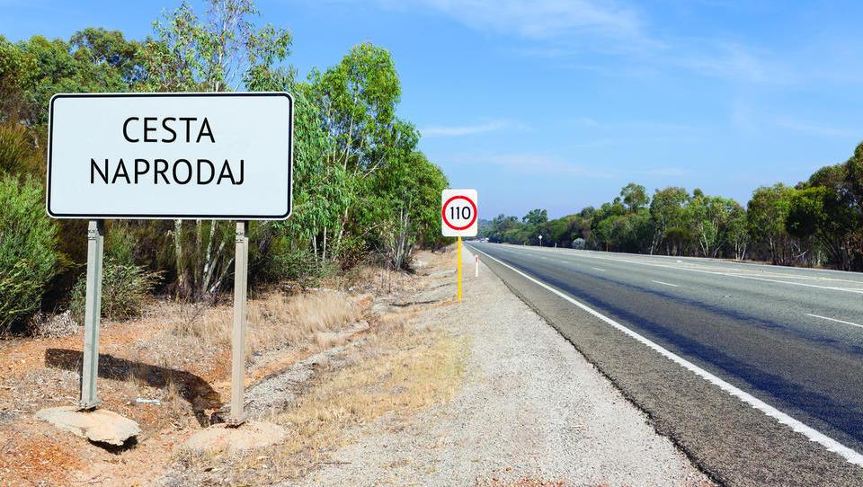 Zakaj štajerski lovci na terjatve iz stečajev kupujejo rondoje, ceste in pločnike?
