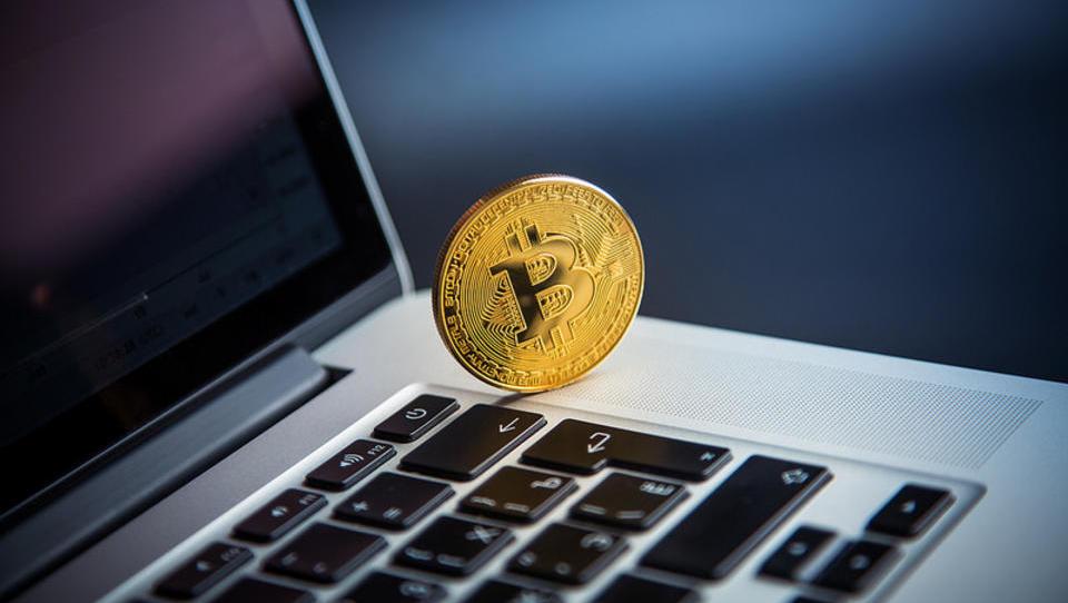 Vlagatelji »ponoreli« za kriptovalutami. Kako tudi ne?