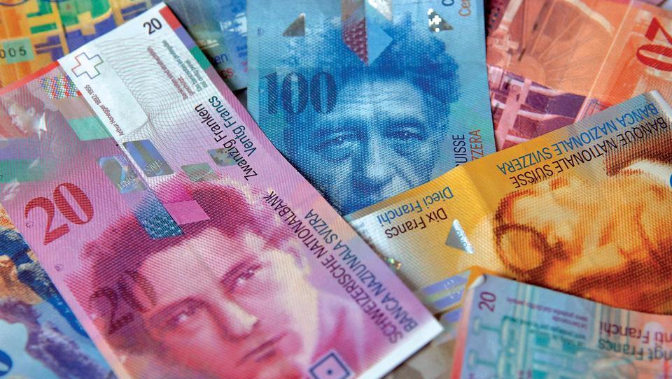 Predlog zakona o posojilih v frankih v parlamentarni postopek