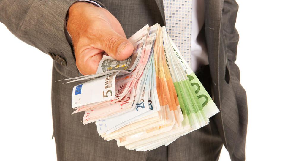TOP razpisi tega tedna: gospodarsko ministrstvo, evropska komisija, občine ...