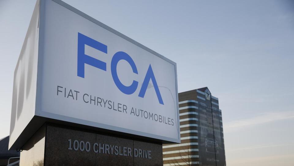 Fiat Chrysler za polovico zmanjšal dolg in podvojil dobiček