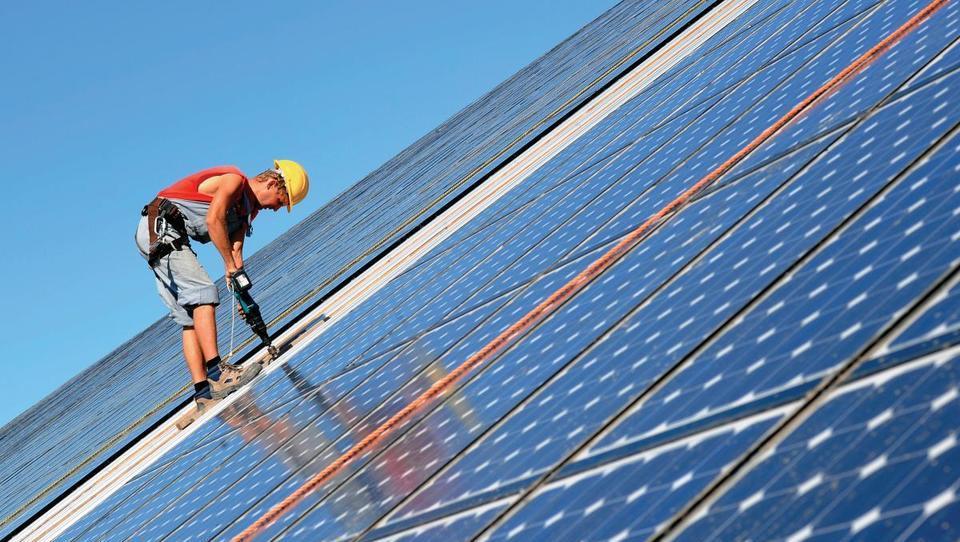 V Franciji zagnali prvi specializiran obrat za reciklažo fotovoltaik