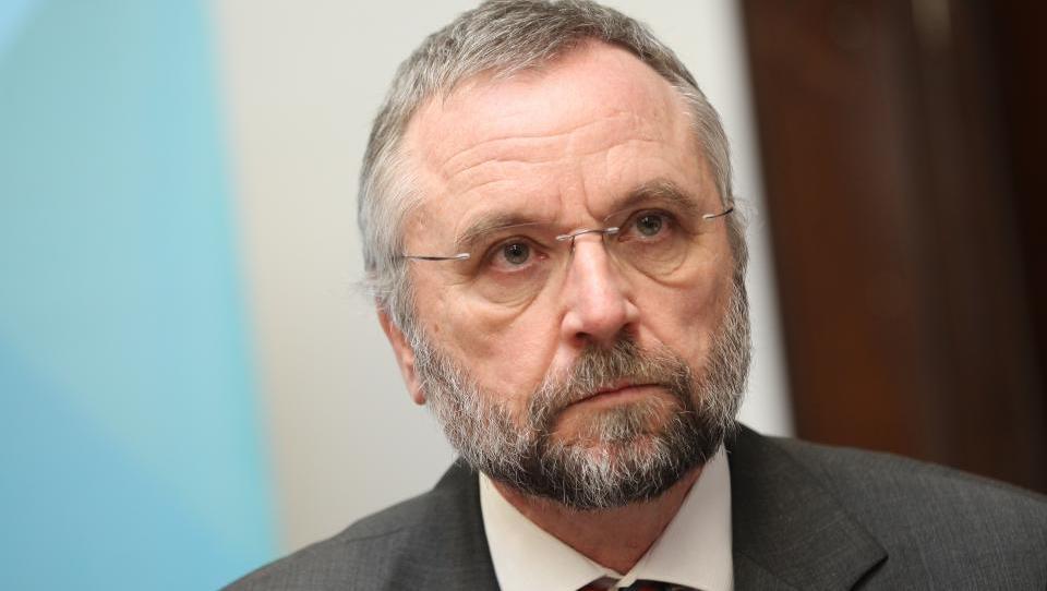 Svet UKCL prvim 32 zdravnikom zavrnil soglasja za delo drugje
