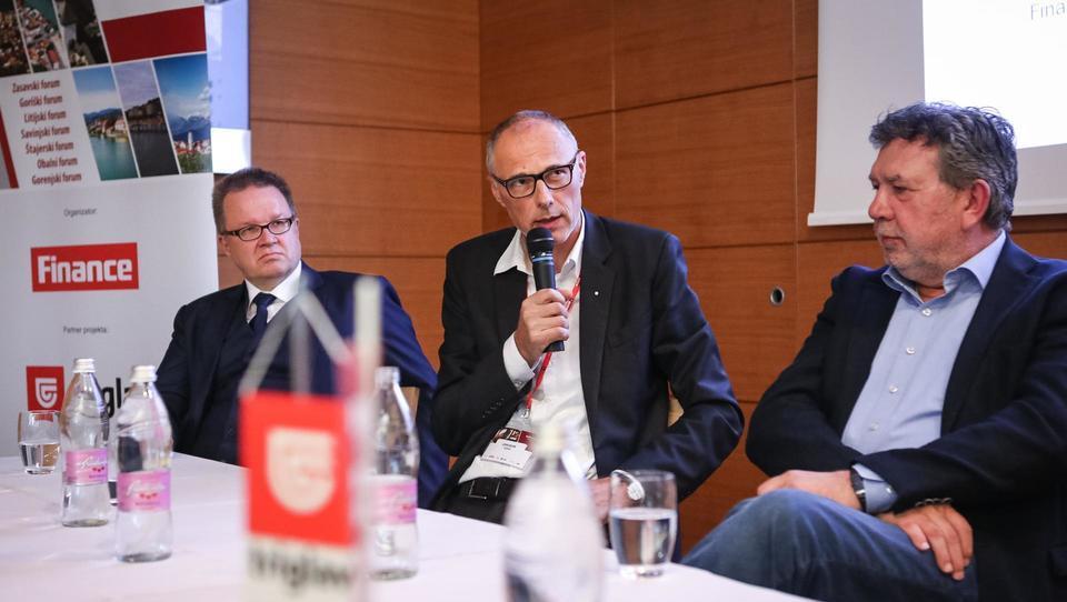 Leta 2021: slovenski e-bus, ki se bo polnil med vožnjo