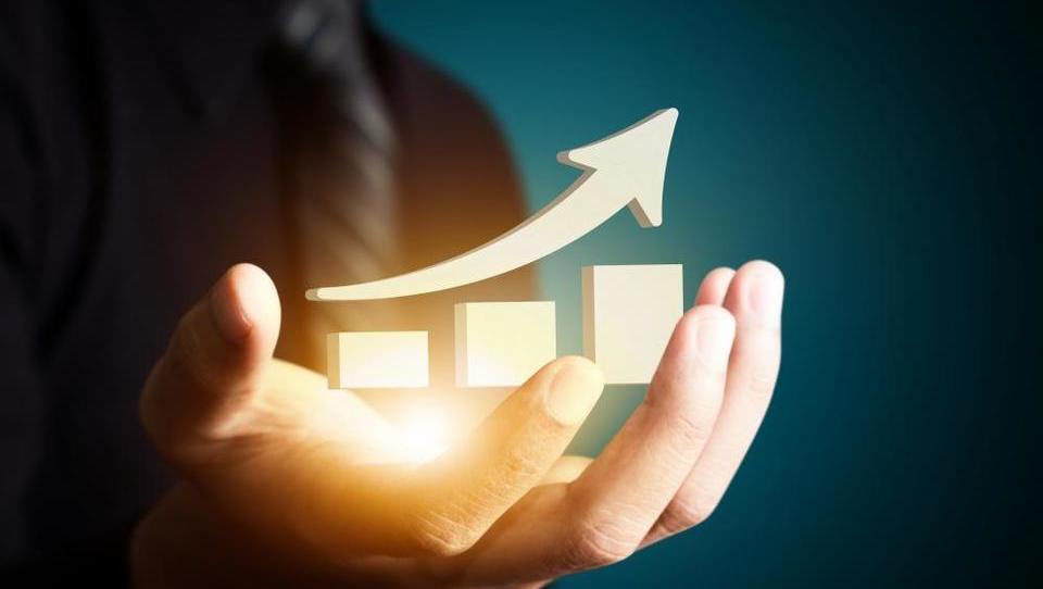 Ali je slovenska petodstotna gospodarska rast vzdržna? Da, toda …