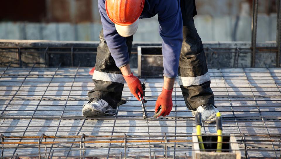 Avgusta padec vrednosti gradbenih del