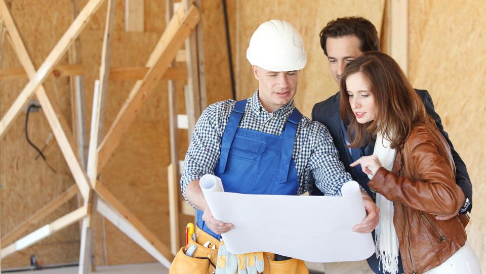 Zaradi napovedanih večjih gradbenih projektov bodo gradbeni...