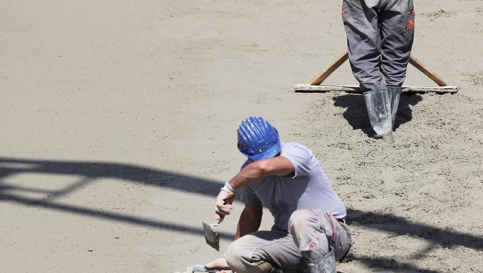 Na mesečni ravni v Sloveniji največja rast obsega gradbenih del