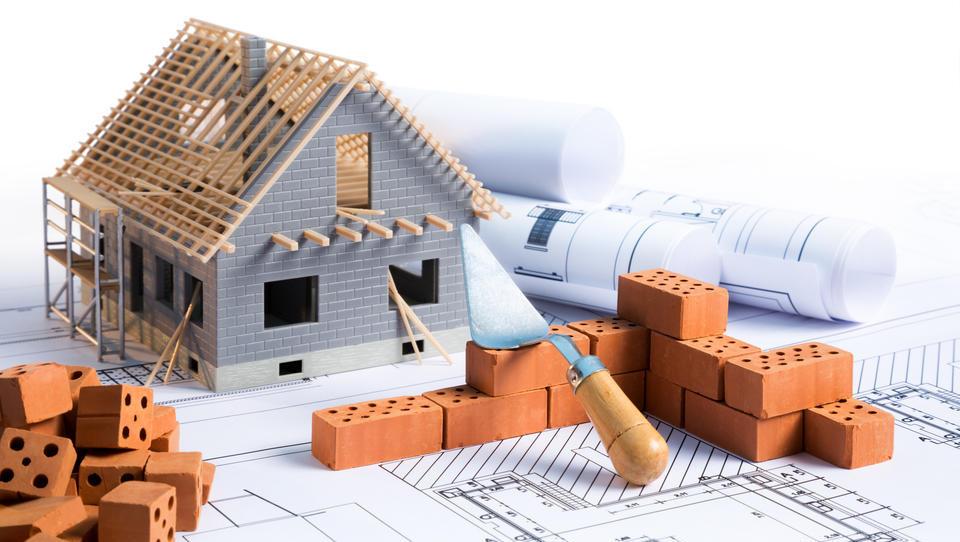 Bi gradili hišo? Preverite, koliko vas bo stala!