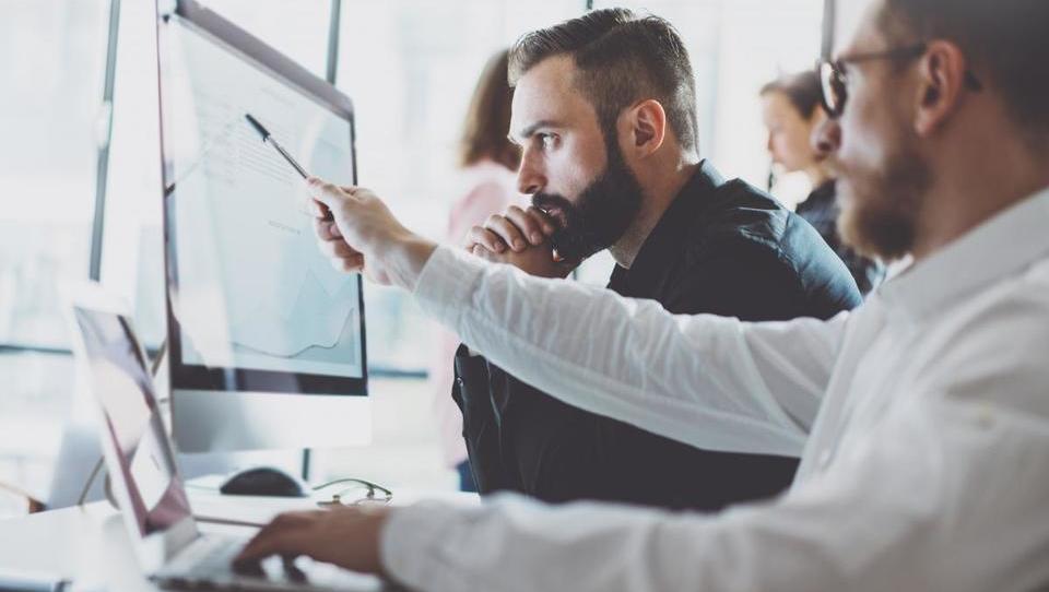 Top službe - Gorenjska banka išče upravljavce tveganj; službe še v Luki Koper, Volvu, Bayerju, Telekomu Austria, Leku in še 15 podjetjih