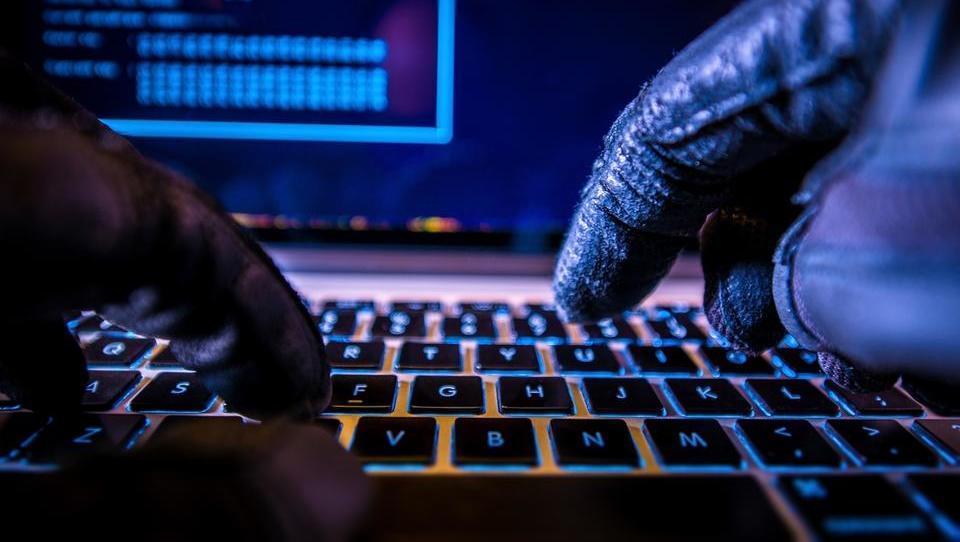 Kdo znotraj podjetja je nehote največji pomočnik kibernetskih...