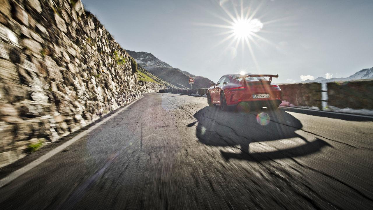 Razkrivamo najdražje avtomobile, ki so jih letos kupili Slovenci