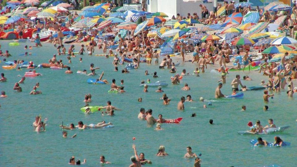 Hrvaška policija opozarja na tatove na plažah