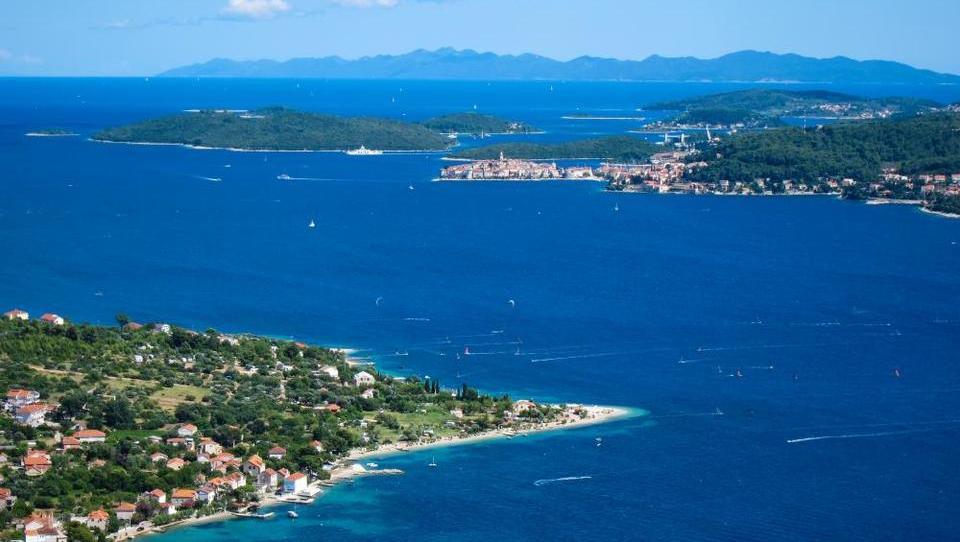 Hitri pregled tedna: Hrvati bi uvedli vavčerje za dvig domačega turizma, dve največji nemški banki se pogovarjali o združitvi, Avstrijci na 66-letnem negativnem rekordu