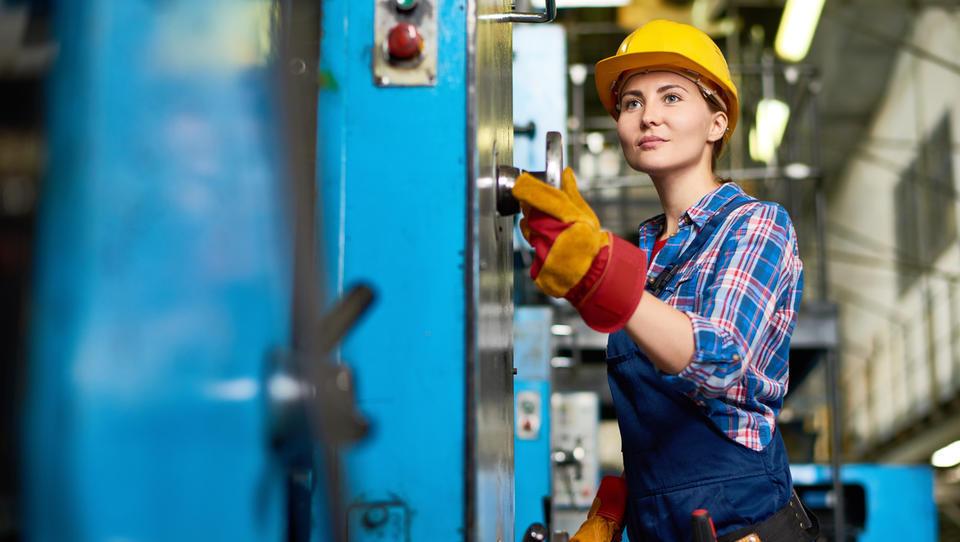 Izbor Tovarna leta 2018: Pomerite se v zahtevni tekmi najboljših proizvodnih podjetij v Sloveniji