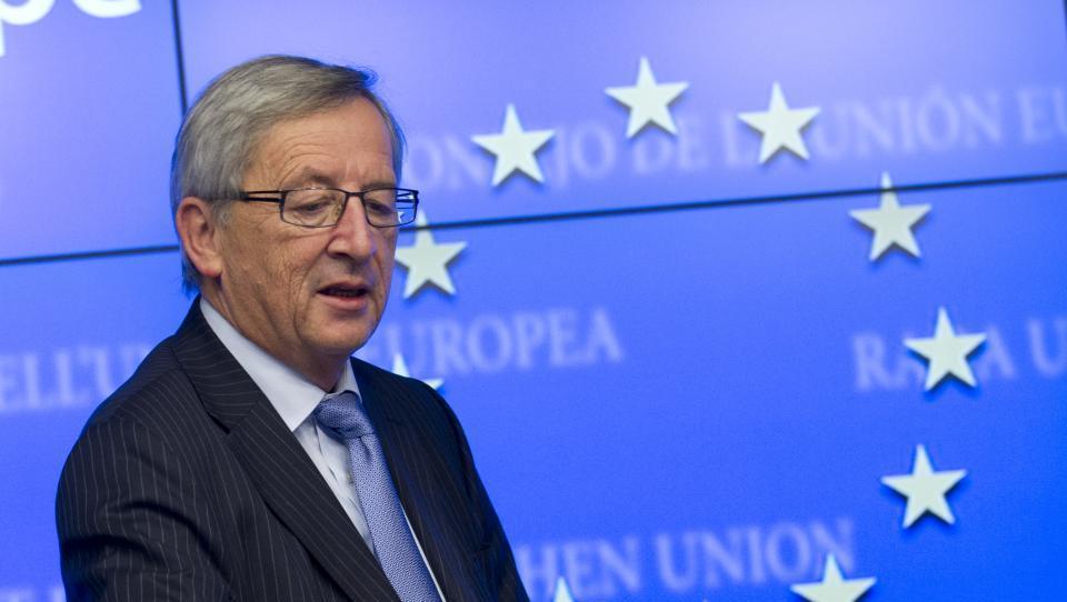 Nič ne kaže, da bi se moral Juncker tresti za položaj