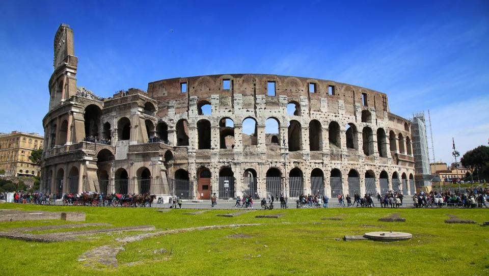 Italija v pričakovanju večje gospodarske rasti, izzivi ostajajo