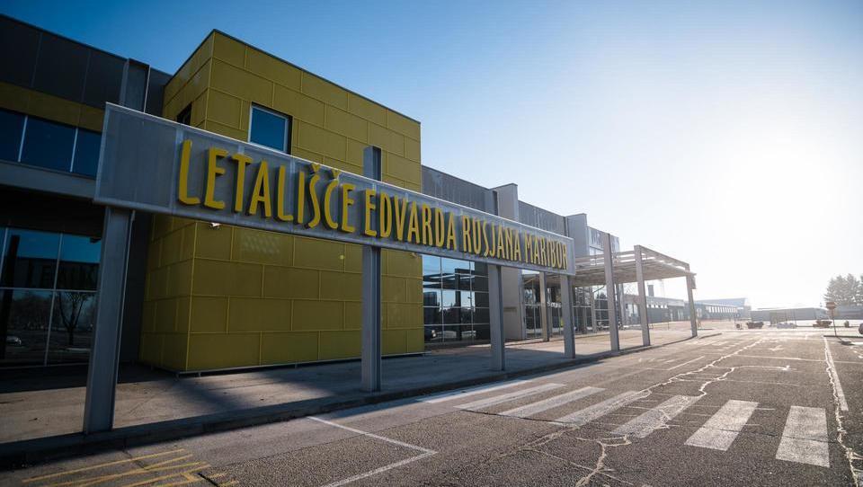 Razpis med dopusti: bi bilo mariborsko letališče dobro povečati s kitajskim denarjem? Gašperšičevi plačajo do 62.700 evrov