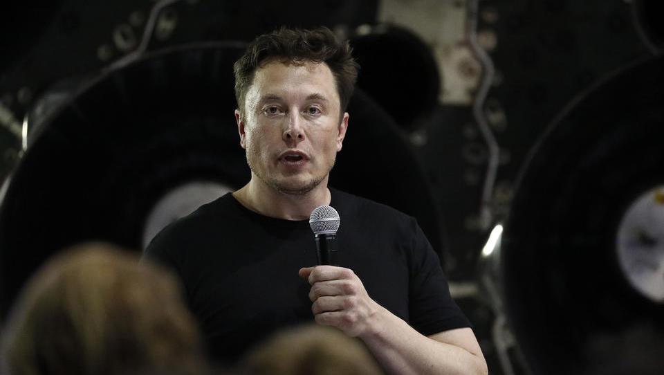 Tesla po dolgem času ustvarila dobiček, še vedno pa ima veliko dokazati