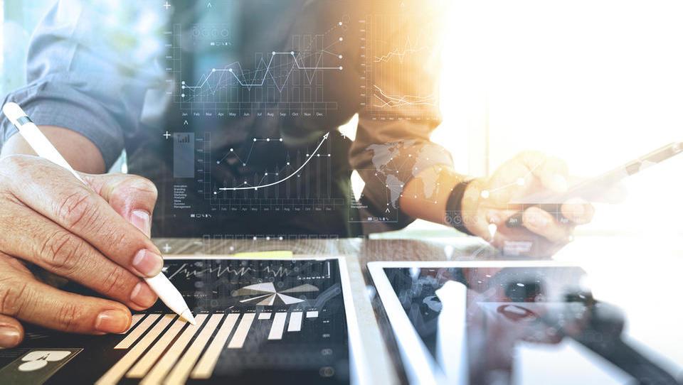 Kakšno naložbeno strategijo ubrati za naslednjih 10 let?