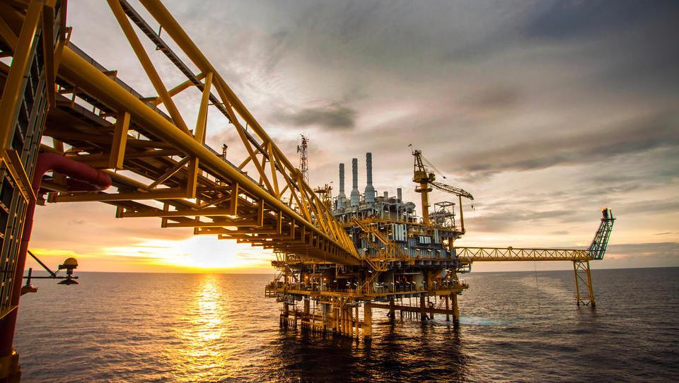 OPEC in Rusija v zmanjšale dnevnega črpanje nafte za 1,2 milijona sodov