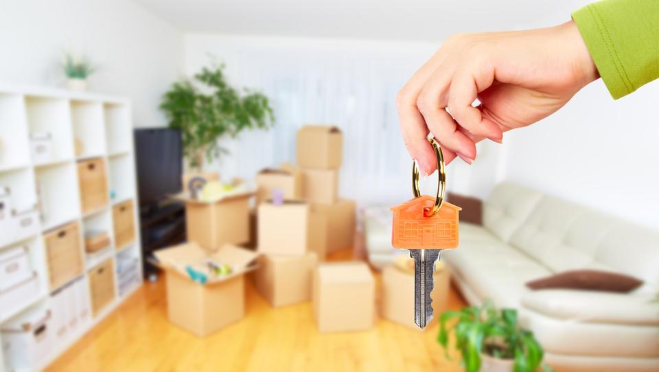 Ministrstva v nakupe stanovanj in zemljišč – tudi gradili bi